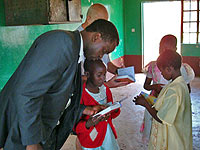 Helping children read their Bibles